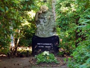 Neue Nutzung für historisch wertvolle alte Gräber
