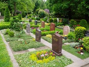 reihengrab_p1070310 Bestattungen Dunker | Bestattung & Trauerfeier
