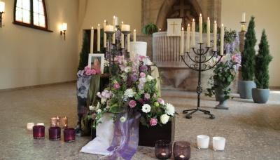 Feier mit Urne und anschließender Beisetzung